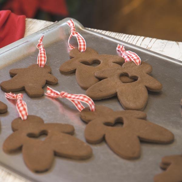 Gooseberry Patch Recipes: Cinnamon-Applesauce Ornaments